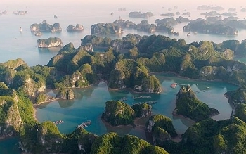 guides to spend weekend travelling lan ha bay the masterpiece of vietnam nature