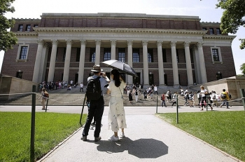 vietnamese students in the us worried of being iced out due to new visa policy