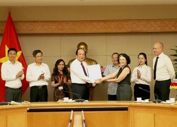 australian deputy ambassador vietnamese people are kind hearted hardworking and optimistic