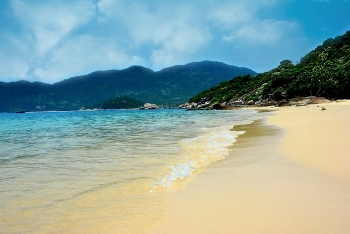 cham islands irresistible beauty through the lens of a greek traveller