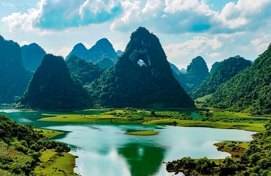 non nuoc cao bang geopark through the lens of well known slovak photographer