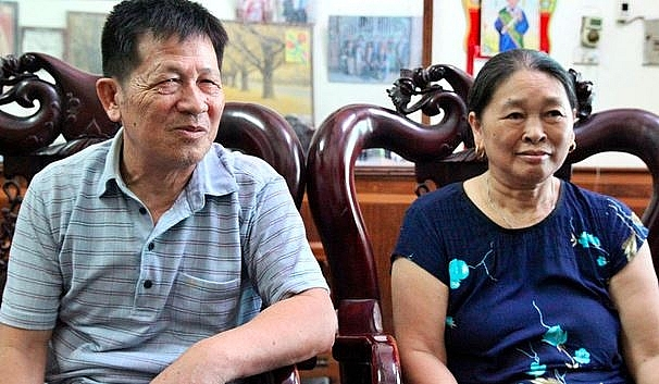 71 year old man in bac giang used private land to build free park for children