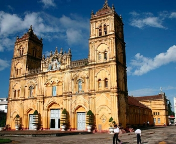 A beautiful 135-year-old Bui Chu Cathedral in Nam Dinh