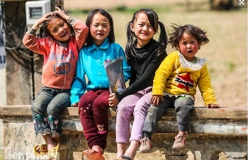the innocent and lovely looks of children in ha giang