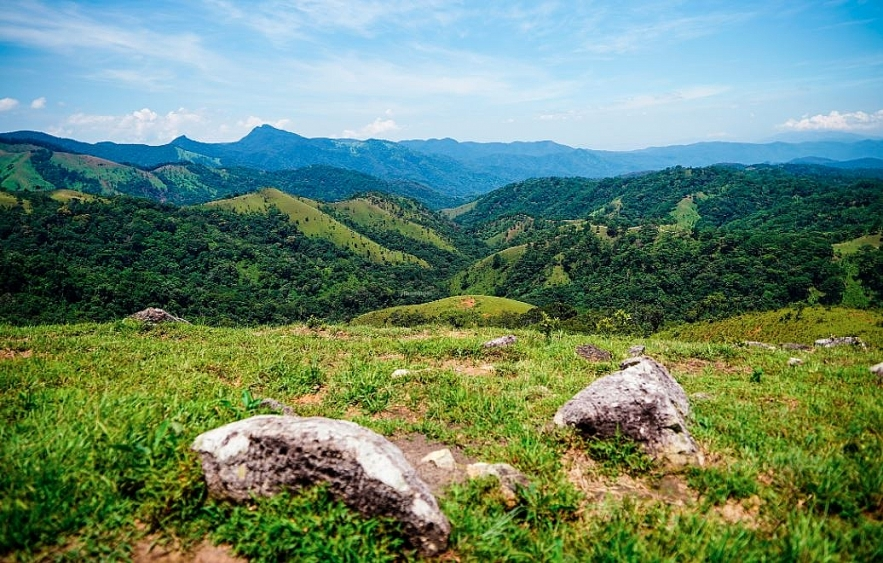 ta nang phan dung the most beautiful trekking trail in vietnam