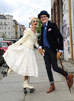 Very fashionable looks of 'Hipster grandpa' in Berlin