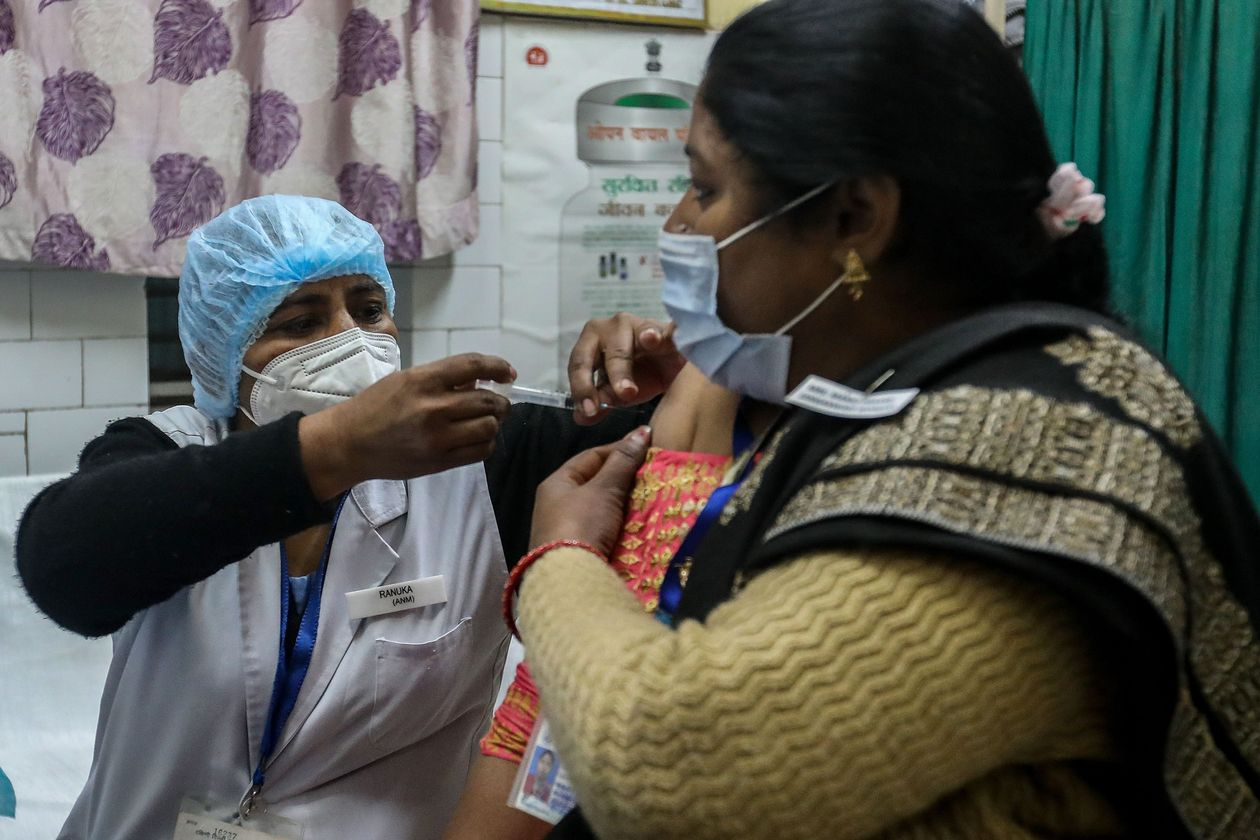 india follows uk to grant emergency approval for astrazenecaoxford covid 19 vaccine