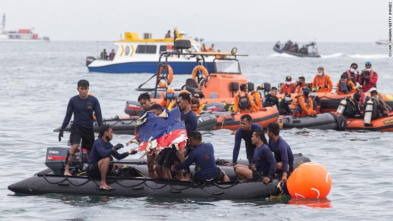 Vietnamese aviation willing to aid Indonesia following plane crash tragedy