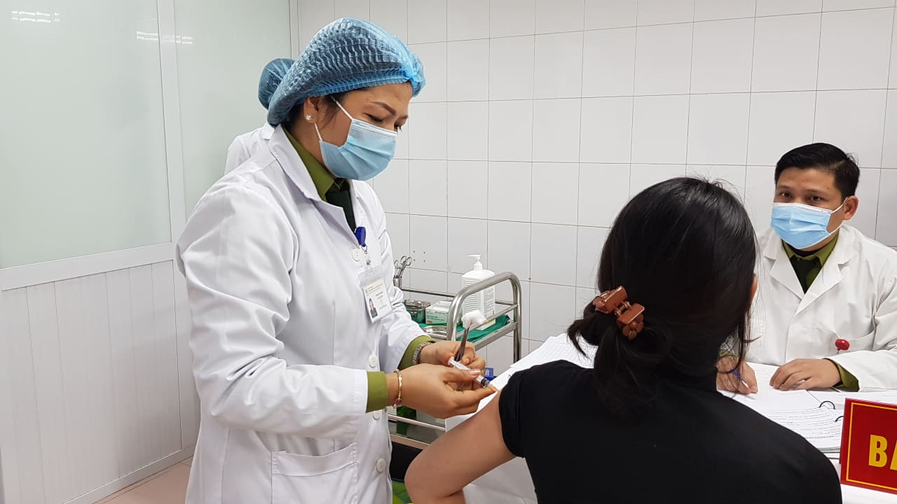 Vietnam to start human trials of another homegrown COVID-19 vaccine this quarter