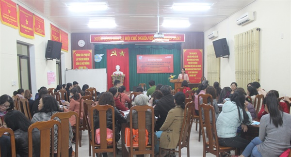 un women helps da nang organise training course on gender based violence