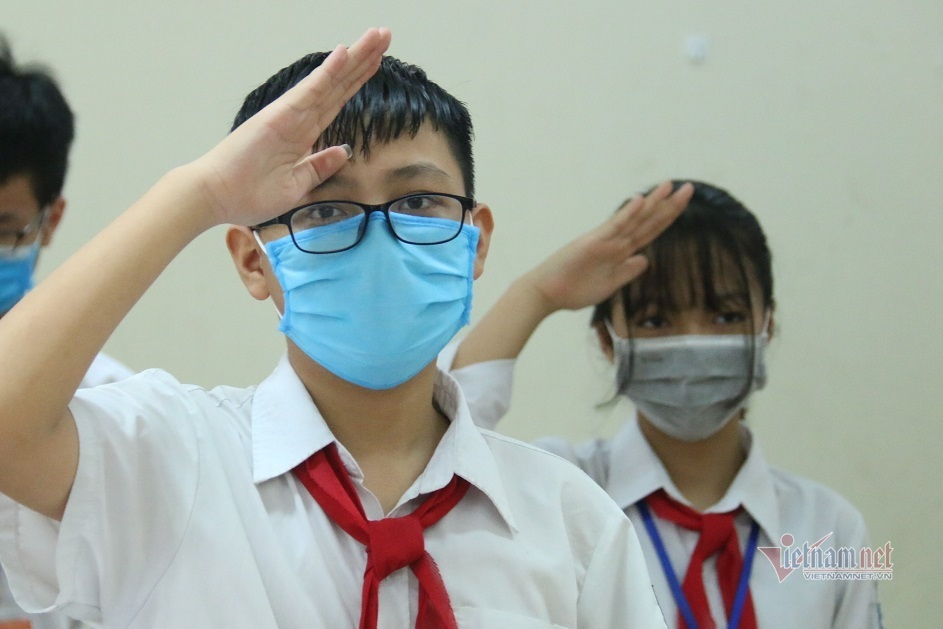 hanoi continues to shut schools to curb coronavirus infections