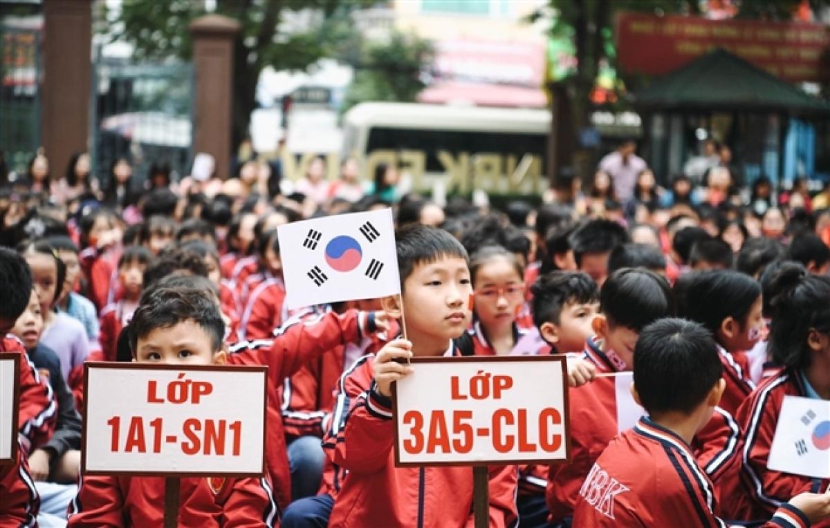 vietnam to pilot teaching german and korean languages at school