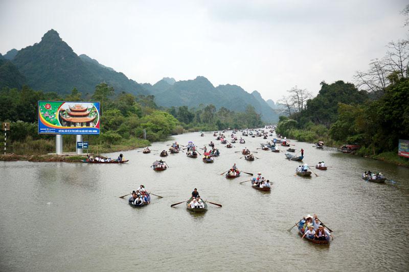 hanoi huong perfume pagoda to reopen this weekend