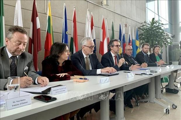 2100-eu-ambassador