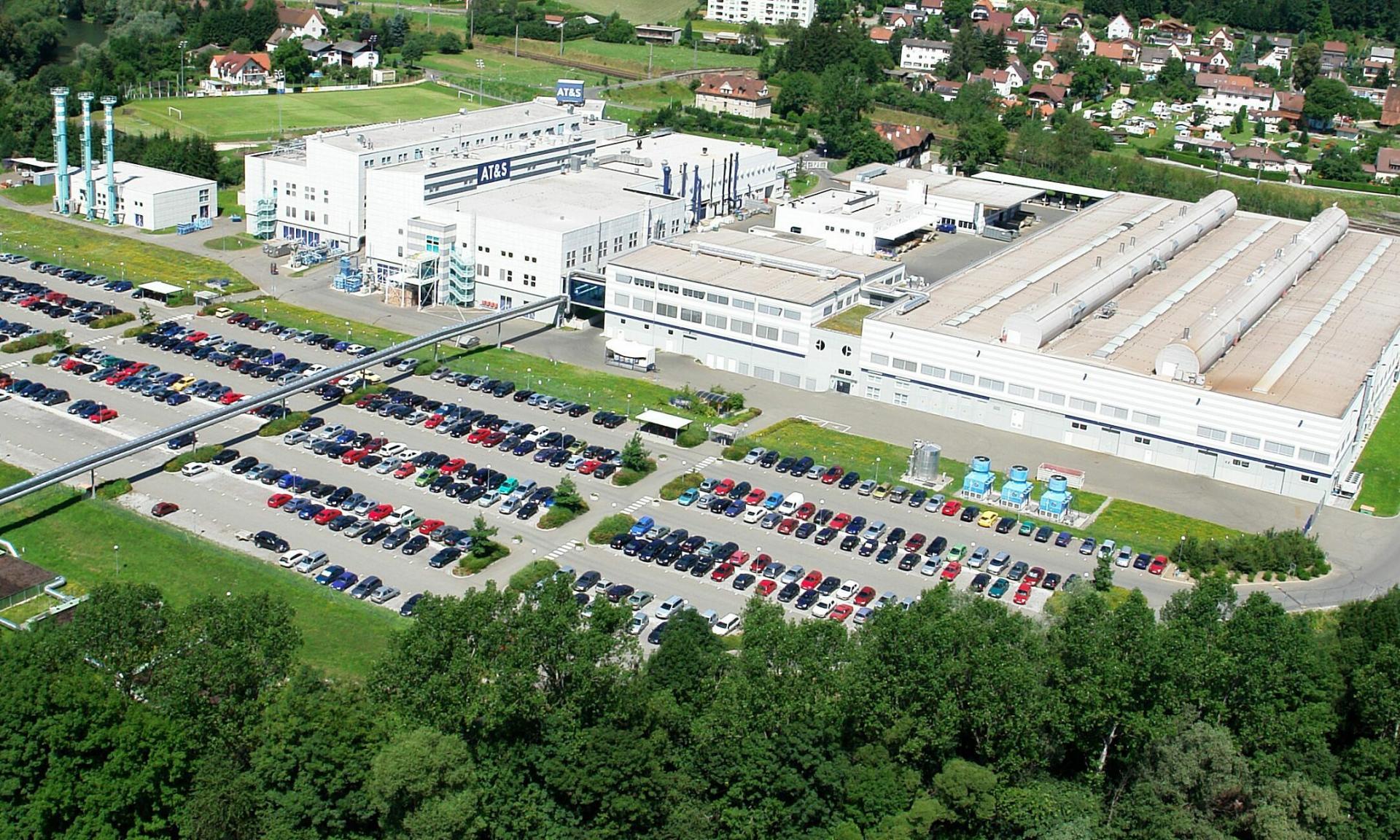 Austria's printed circuit board manufacturer seeks to build $1.8 bln plants in Vietnam