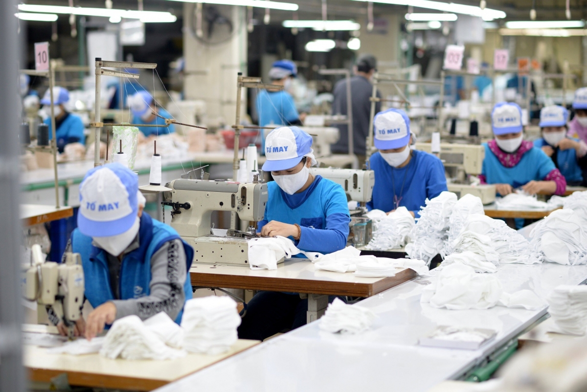 vietnam cambodia trade up 64 percent in two months