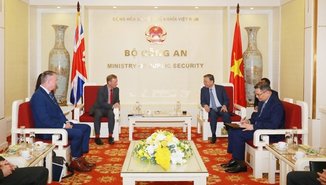 Vietnam, UK step up cooperation in crime combat