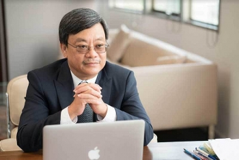 Quang takes over Vuong's position in retail market, renaming VinMart as Winmart