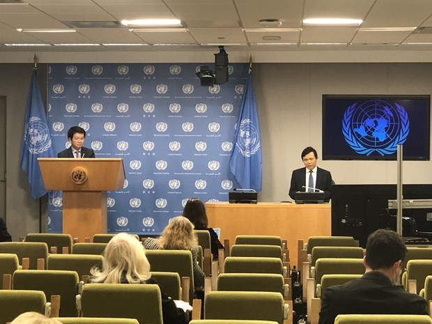 Ambassador Dang Dinh Quy, Permanent Representative of Vietnam to the UN, chairs a press conference on April 1 to announce Vietnam's assumption of UNSC Presidency this month. (Photo: VNA)