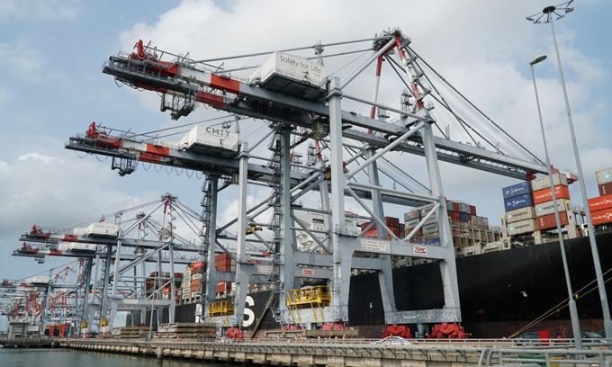 A container ship docks at a port at the Tan Cang – Cai Mep Thi Vai Terminal in Ba Ria–Vung Tau Province, southern Vietnam. Photo by VnExpress/Dang Khoa.