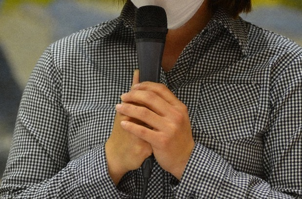 Vietnamese technical intern talks about her deceased twins at a press conference in Kumamoto Prefecture's capital city of Kumamoto on April 24, 2021. (Mainichi/Takehiro Higuchi)