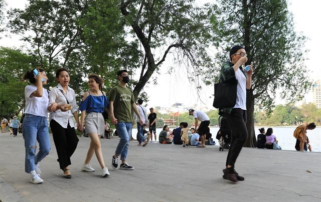 Hanoi Chairman orders raising COVID-19 alert to high level