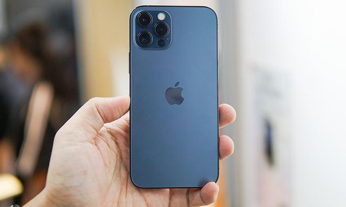 iPhone loses position in top five in Vietnam