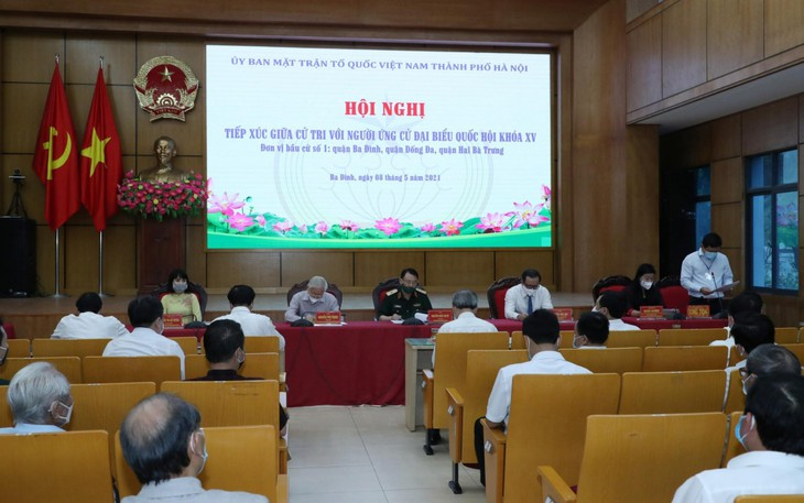 Party leader Nguyen Phu Trong and candidates for the 15th NA deputies hold online meeting with voters