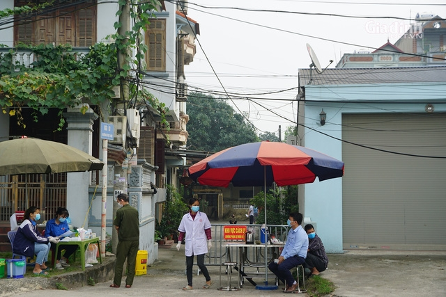 PM applauds Hanoi's Dong Anh District for anti-pandemic achievements