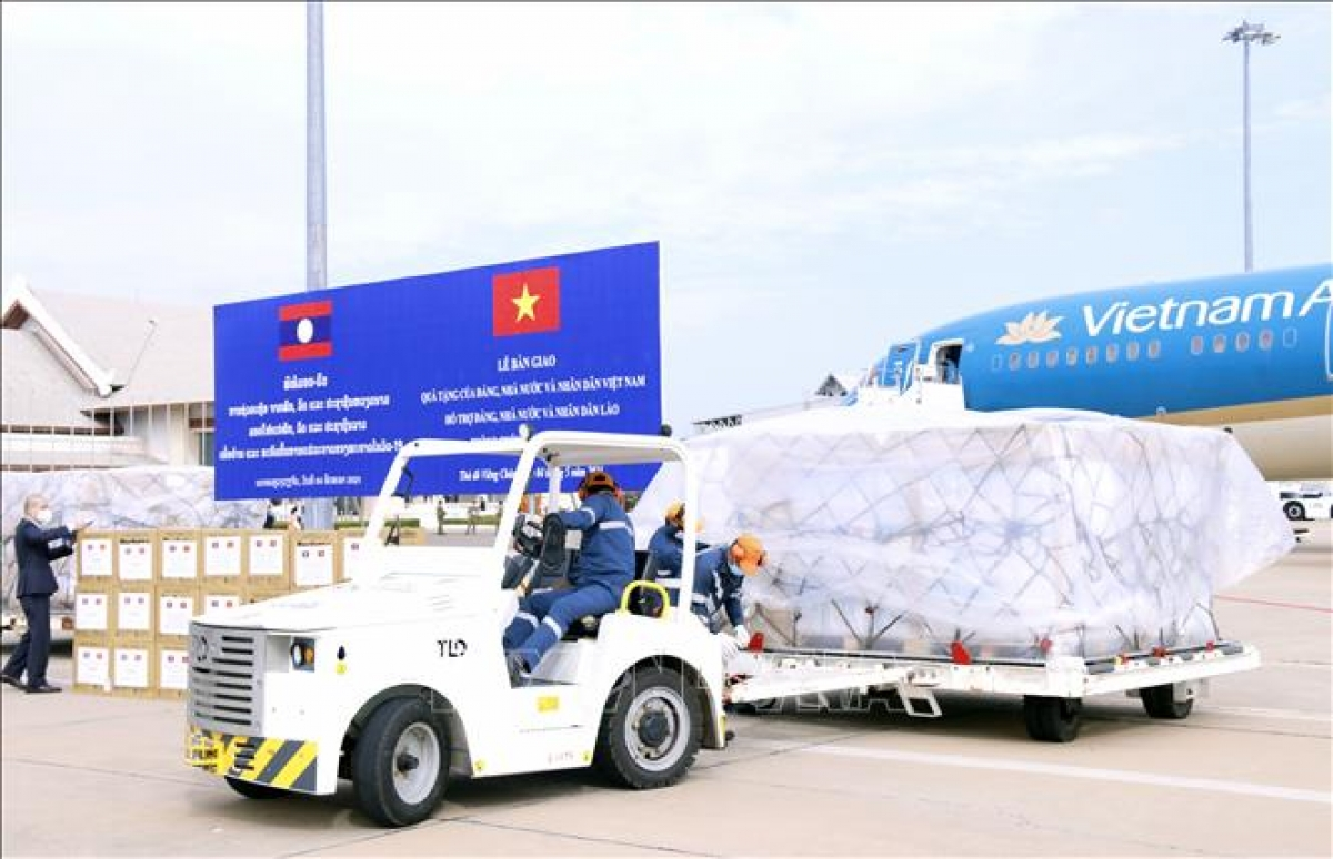 Vietnam's assistance for Laos in the COVID-19 combat