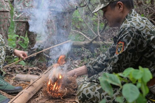 Making fire is one of the most important life-saving tips.