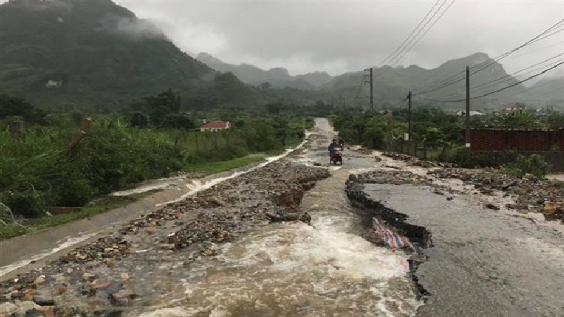 vietnam weather forecast july 14 16 rains continue to lash northwestern region