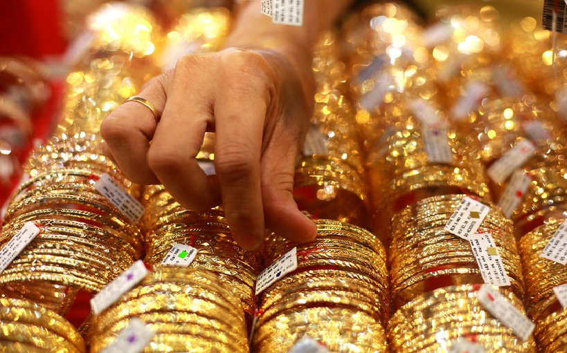 gold prices today july 14 slightly decrease but remain high in domestic market