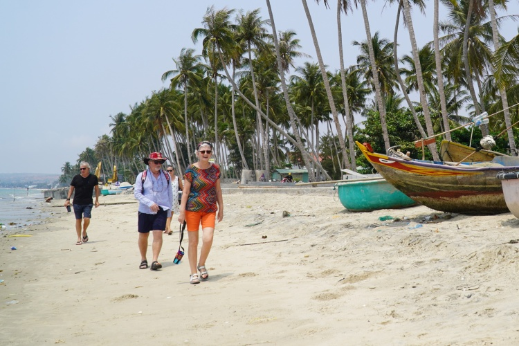 Foreigners are at beach in Mui Ne, Binh Thuan Province, March 2020. Photo by VnExpress