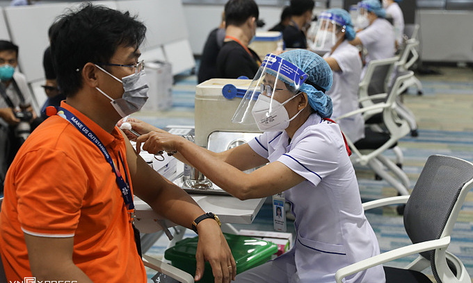 Covid-19: Local Cases Near 49,000, Vietnam Resolved to Ward off Pandemic