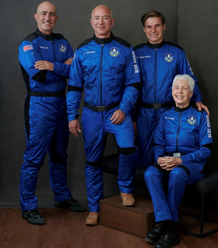 From left: Mark Bezos, Jeff Bezos, Oliver Daemen and Wally Funk before their flight © BLUE ORIGIN/AFP via Getty Images