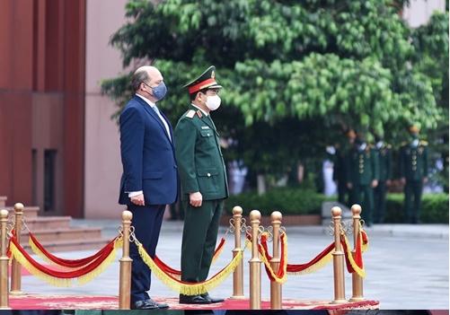 Vietnamese Defense Minister General Phan Van Giang and U.K. Secretary of State for Defense Robert Ben Lobban Wallace at the reception
