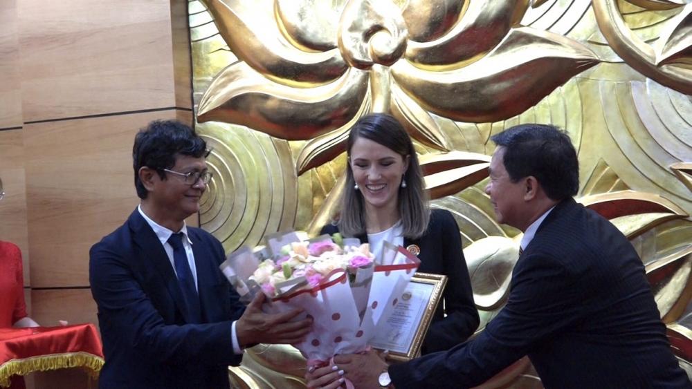 vietnam russia friendship association honours 10 russian officials