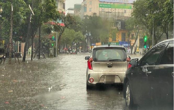Storm Jangmi, tropical depression cause rains across southern Vietnam