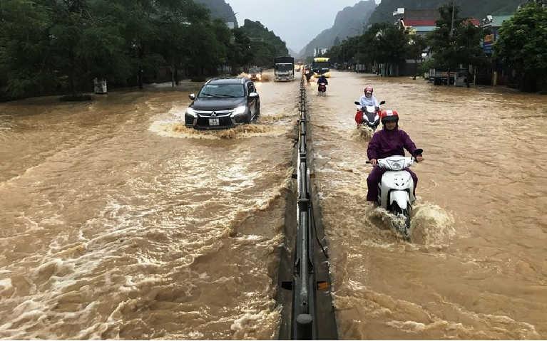 hanoi flooded after heavy downpours