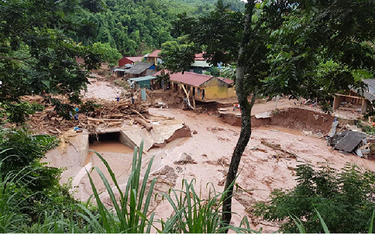 vietnam weather flash floods landslides kill six in the north due attention needed
