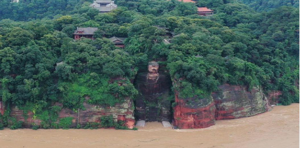 chinas massive flooding 100000 evacuated three gorges dam facing historic flood peak