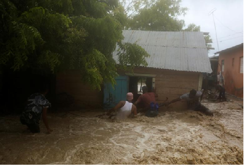 Storm Laura kills 11 in Dominican Republic and Haiti, sets course for US