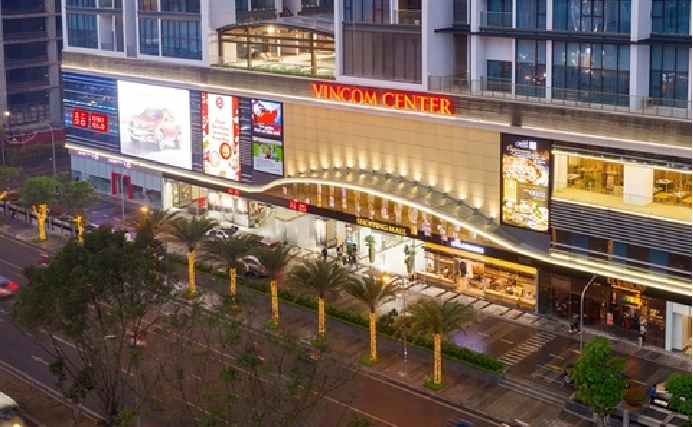 UNIQLO to serve Hanoi fans with more new stores