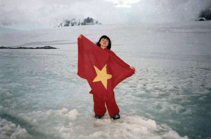 first vietnamese to visit antarctica inspires youngsters actions against climate change