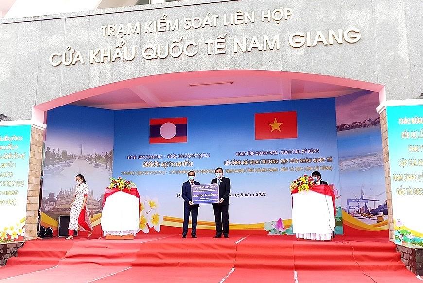 Vietnam, Laos Upgrade Border Gates