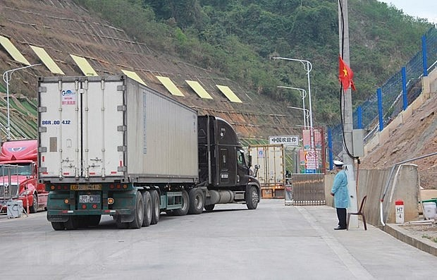 China Closes Border Gate with Vietnam again due to Covid Threat