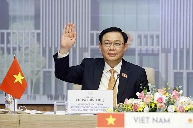 Vietnam National Assembly Chairman Vuong Dinh Hue hold talks with his Thai counterpart Chuan Leekpai from Hanoi.