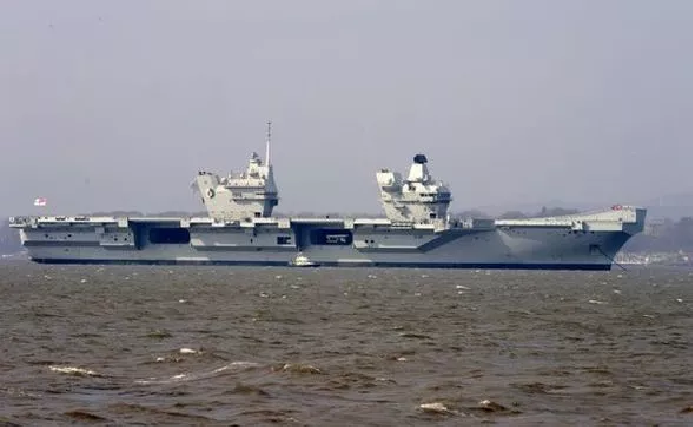 uk defence ministry urged to send hms queen elizabeth into south china sea bien dong sea