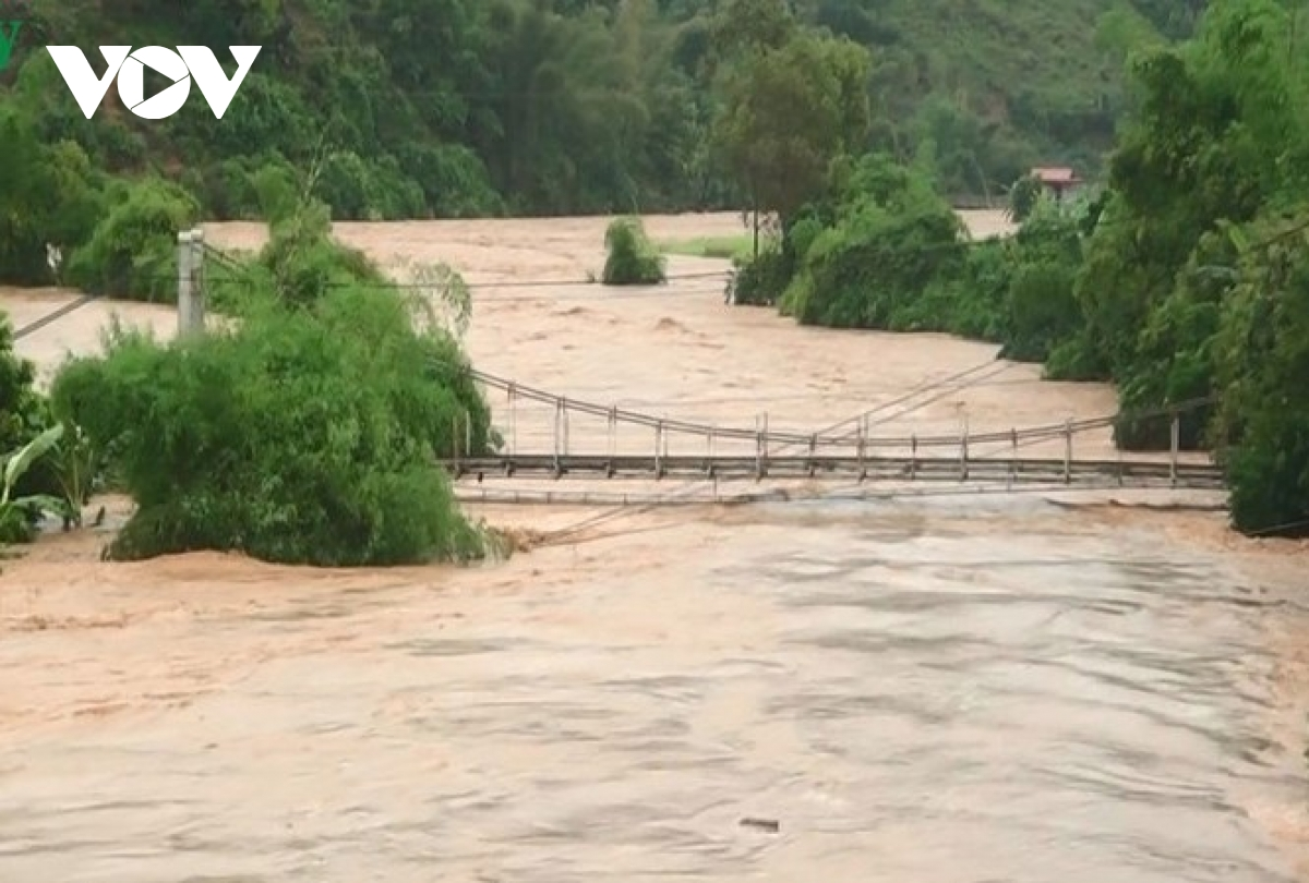 Storm Noul: two killed in central provinces, one hamlet isolated